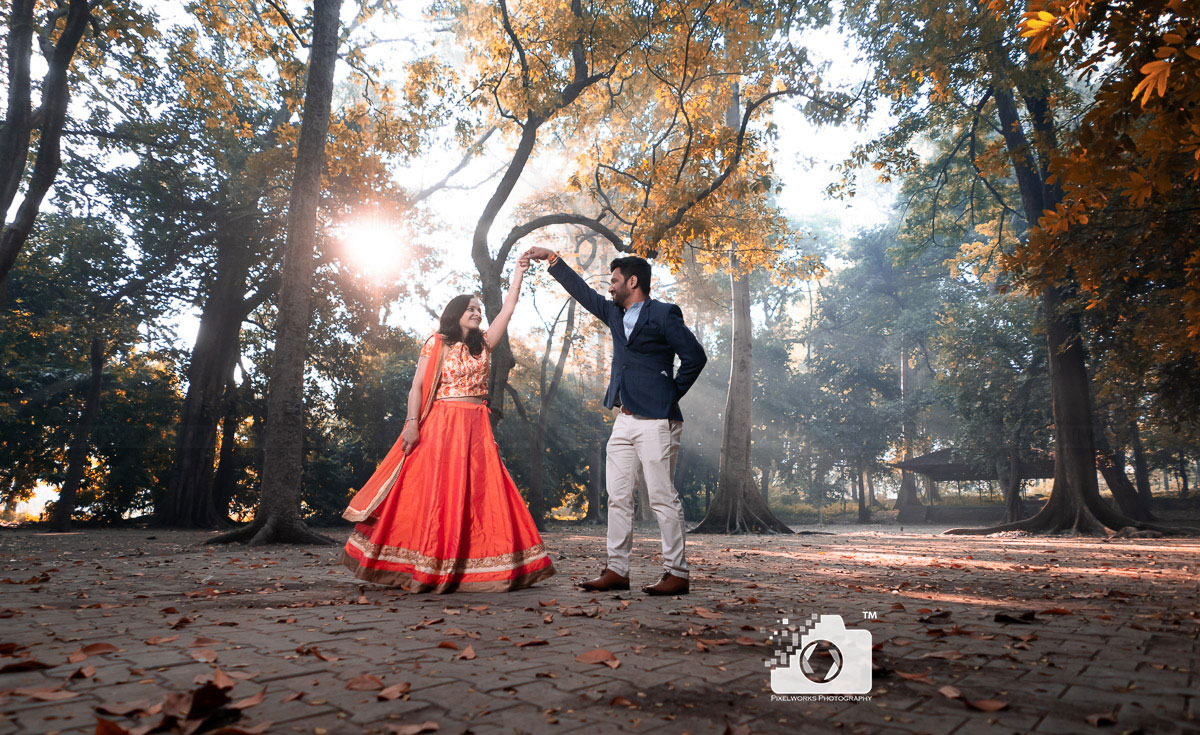 pre wedding shoot location empress garden twirl