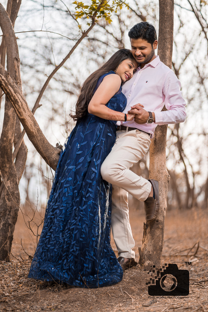 forest pre wedding shoot embrace