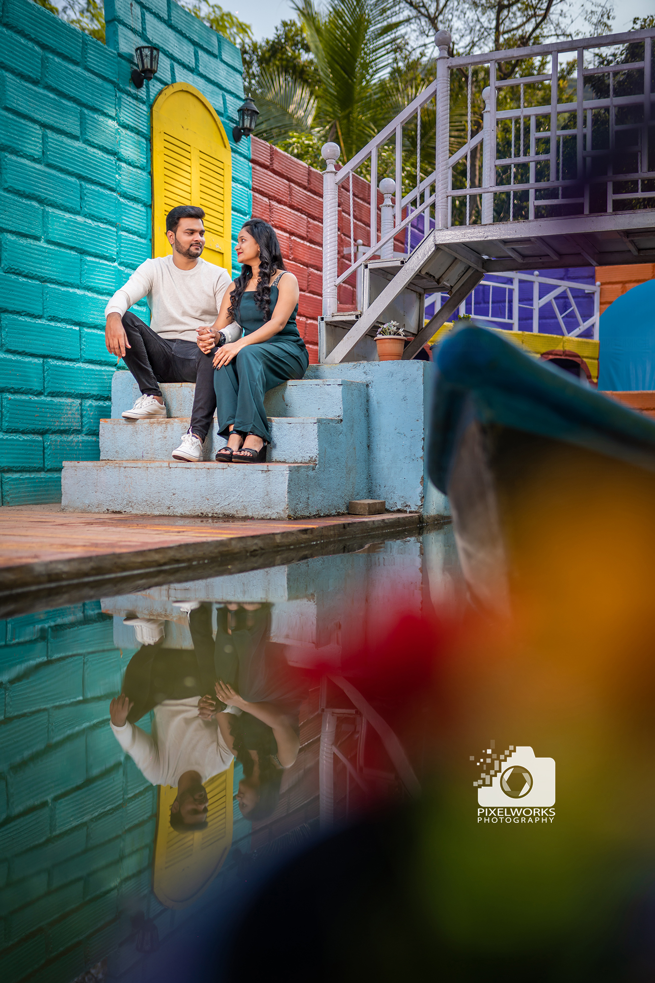 best Pre wedding photographer for sets sitting